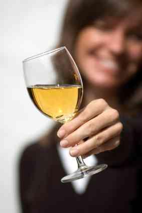 110809-283x424-Dry_White_Wine